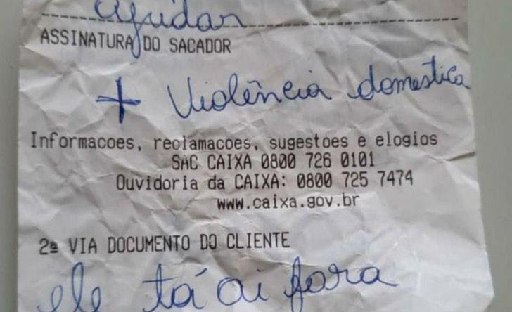 """Captura de Pantalla 2021 03 08 a las 11.27.18 - """"Socorro, violência doméstica, ele tá lá fora"""": Mulher agredida pede ajuda com um bilhete"""