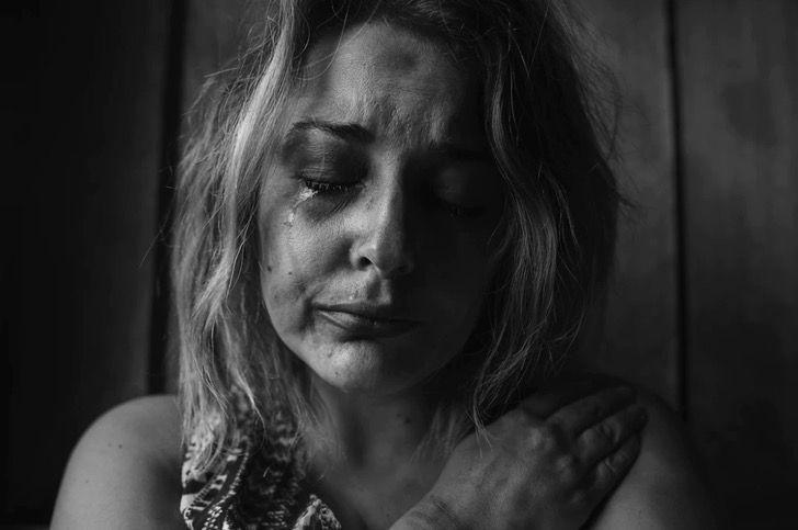 """Captura de Pantalla 2021 03 08 a las 12.18.09 - """"Socorro, violência doméstica, ele tá lá fora"""": Mulher agredida pede ajuda com um bilhete"""