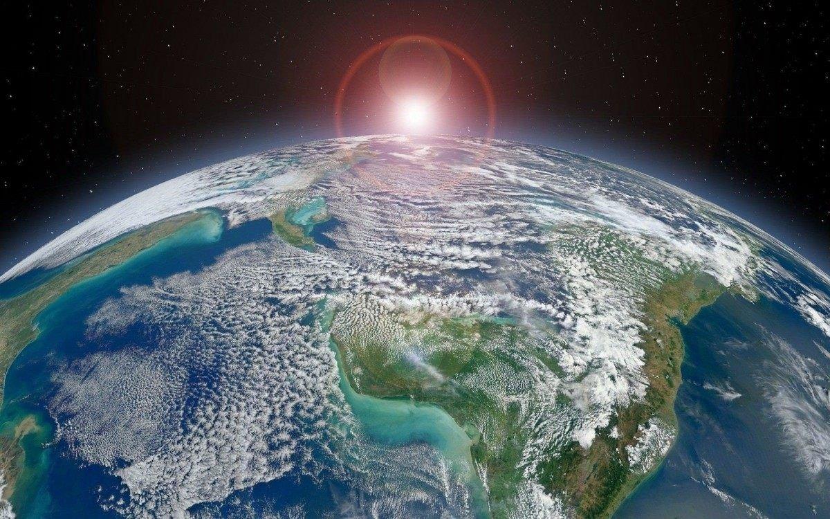 1 planet earth 1522934 1920 21485165 - Foguete chinês cairá na Terra no próximo sábado, só que ninguém sabe onde