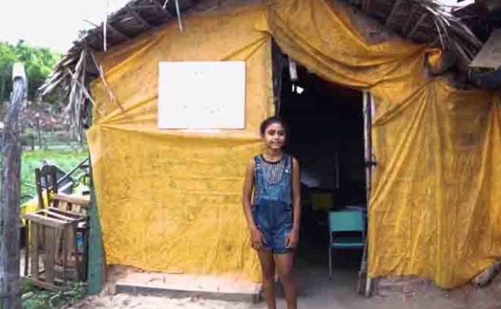 """2 7 - Érika com apenas 12 anos constrói a """"Escola da esperança"""""""