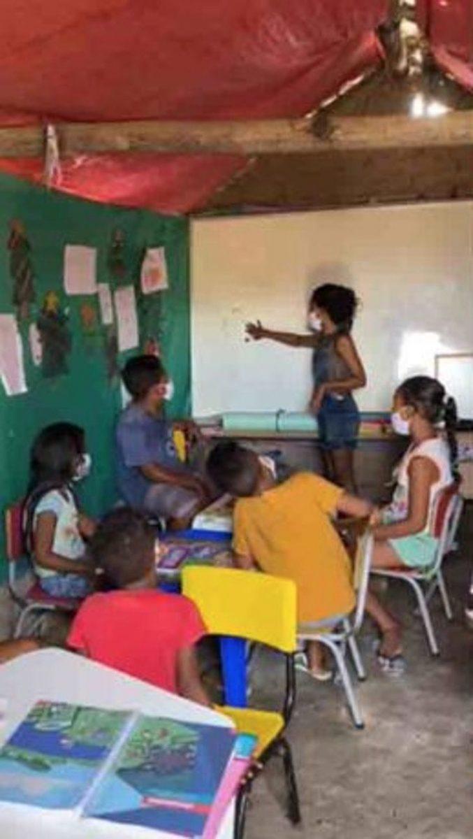 """4 3 scaled - Érika com apenas 12 anos constrói a """"Escola da esperança"""""""