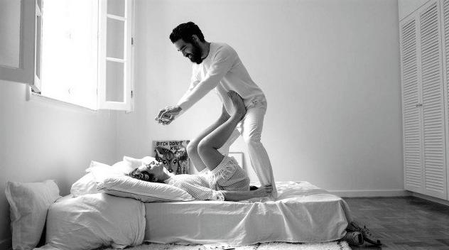 """Captura de Tela 143 - Caio Blat e Luisa Arraes confessam o grande segredo do casamento: """"A gente é vizinho, é uma coisa muito erótica"""""""