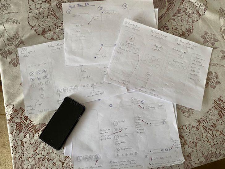 """2 3 - A neta desenhou um """"manual"""" para o avô tocar áudios do WhatsApp. Eu não queria deixar isso para trás!"""
