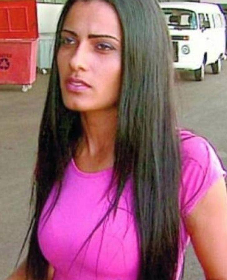 """3 1 - A """"Cinderela brasileira"""": jovem deixou de procurar comida no lixo para ser modelo profissional"""