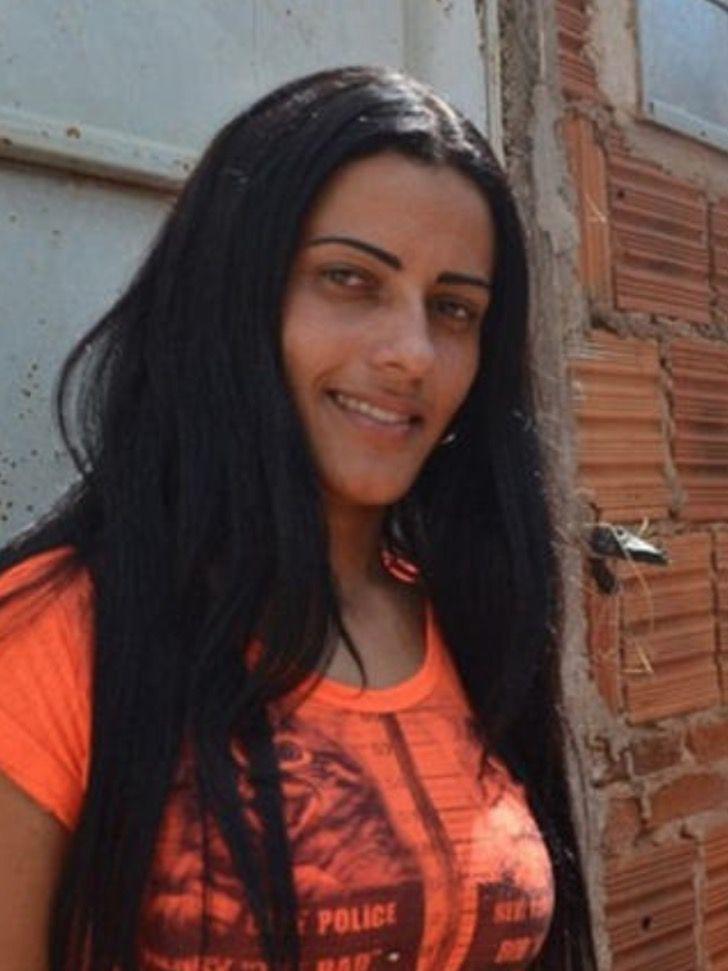 """4 1 - A """"Cinderela brasileira"""": jovem deixou de procurar comida no lixo para ser modelo profissional"""