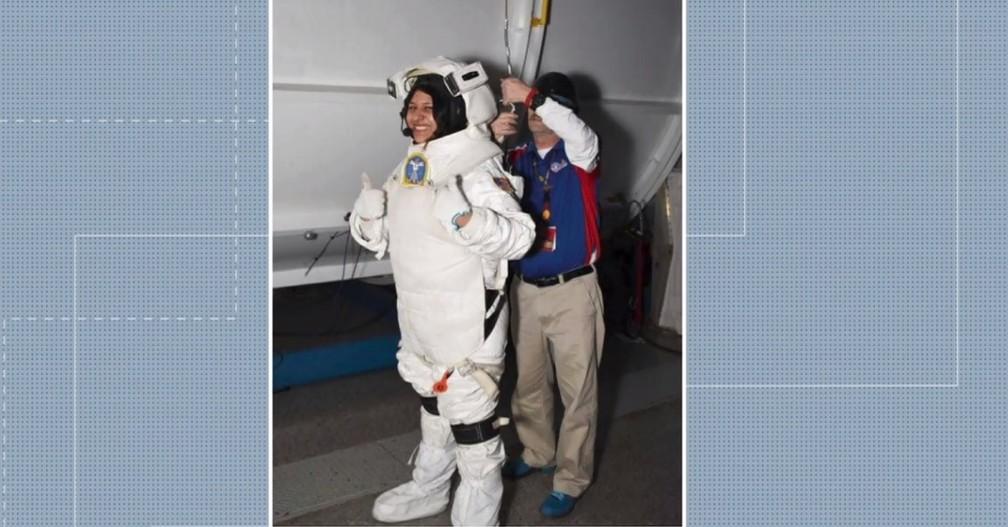 """5 2 - Paranaense que foi aprovada em 5 universidades, aos 20 anos se prepara para ser astronauta nos EUA: """"Inspirar outras garotas"""""""