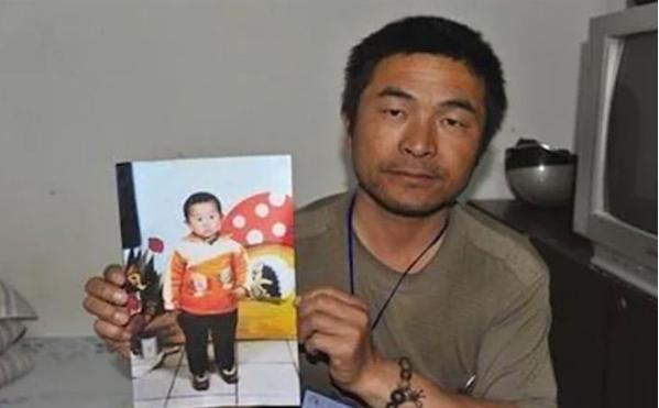 Captura de Tela 342 - Jovem reencontra sua família após ficar 24 anos sequestrado. Sua história inspirou um filme