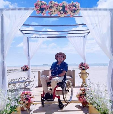 Captura de Tela 426 - Um jovem cadeirante tornou-se decorador, apesar de ter sido informado de que não poderia. Ele administra