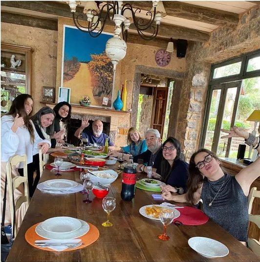 Captura de Tela 820 - Lima Duarte se reuniu com sua família em sítio no interior de SP, 2 anos após e com todos vacinados
